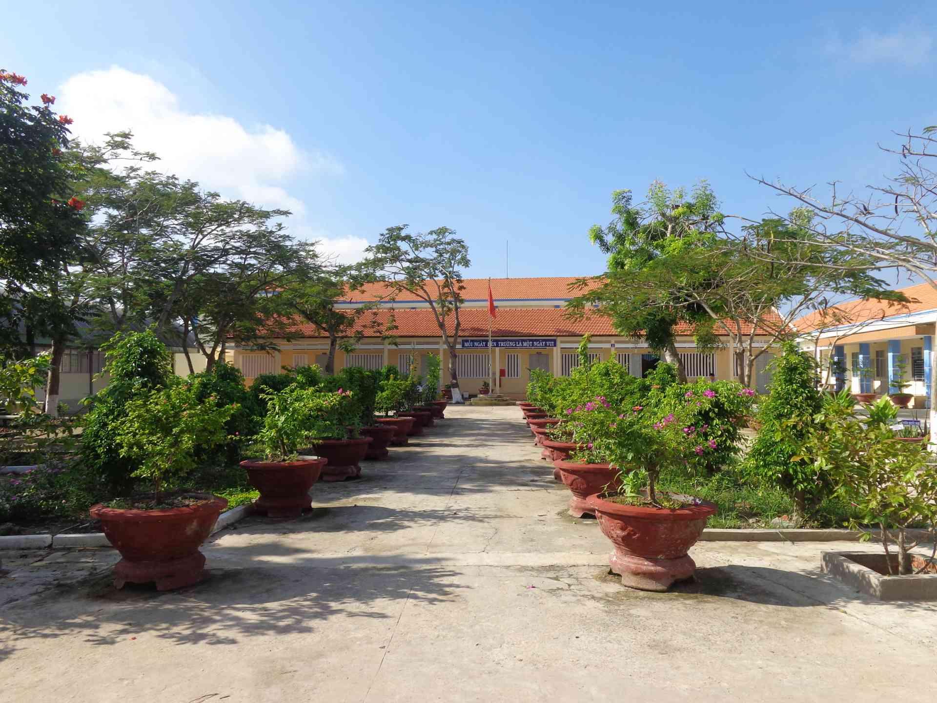 Tiểu học Thanh Vĩnh Đông